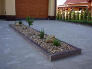 001-srpnova-zahrada