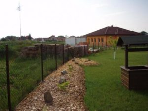 015-travnik-versus-drevene-stepky