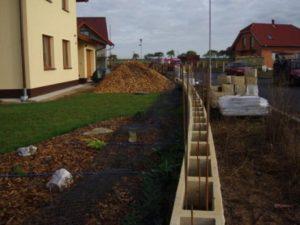 017-piskovcovy-plot
