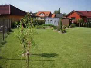 023-srpnova-zahrada