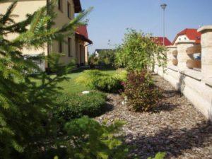030-srpnova-zahrada