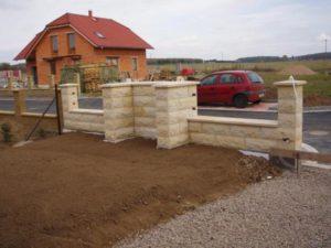 119-piskovcovy-plot