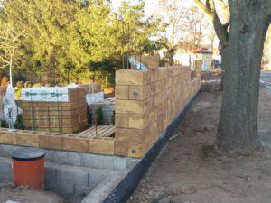 017 Stavba plotu pohledová část